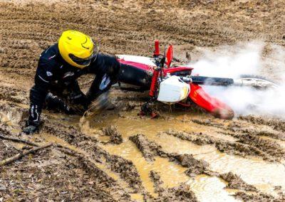 le-grafik-fotografia-sportowa-motocross-bloto