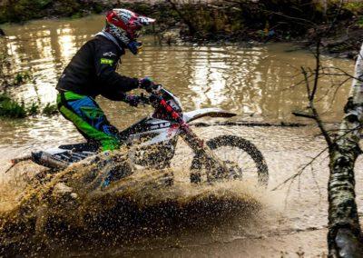 le-grafik-fotografia-sportowa-motocross-woda